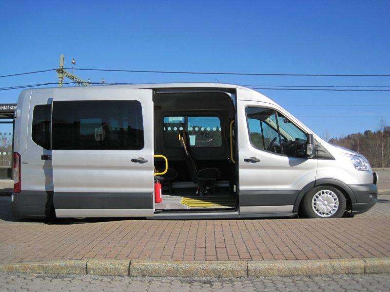 Fordonet kan tiltas i sidled för lägre instegshöjd (AWK).