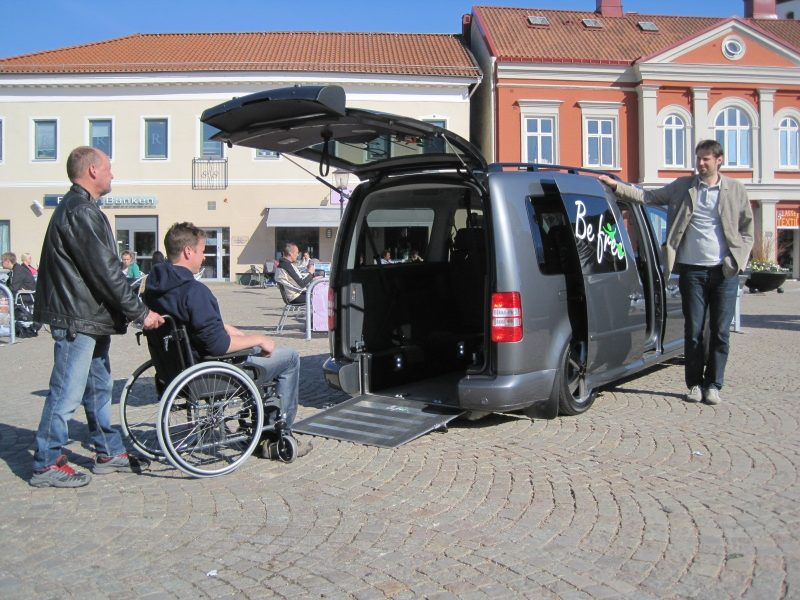 The wheelchair space is airy, with a completely flat floor and generous ceiling height.