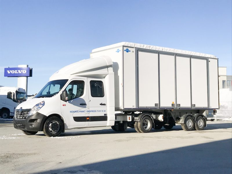 Renault Master with Freno semitrailer and Berco cab