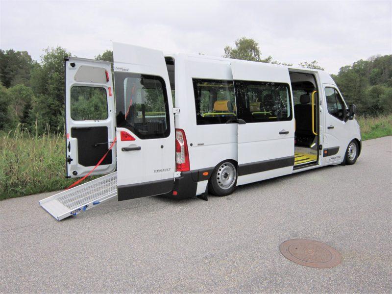 Renault med utfällda ramper