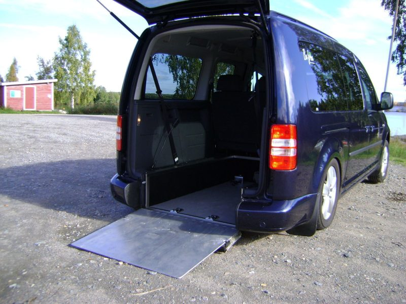 Individual air wheel suspension at the rear.